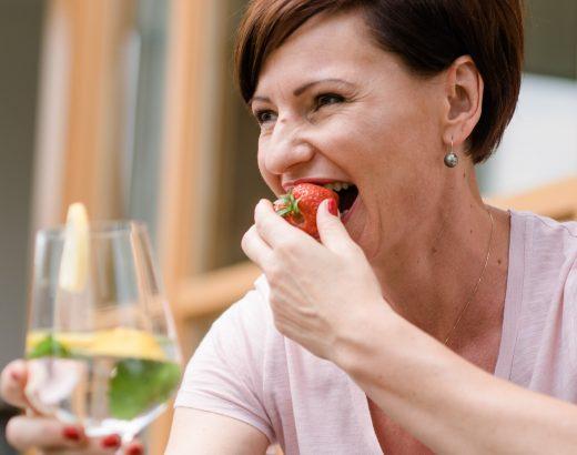 Erdbeeren & Holunderblüten QUER