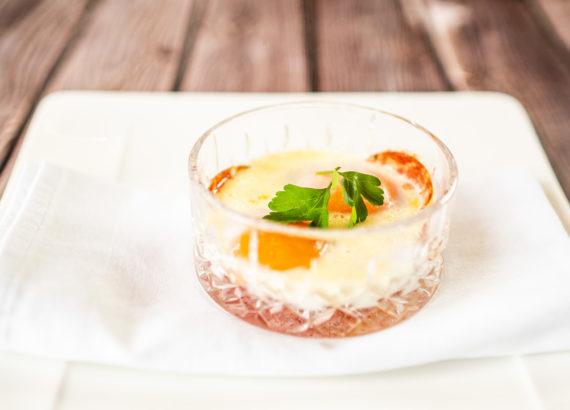 En Cocotte - gebackene französische Eier